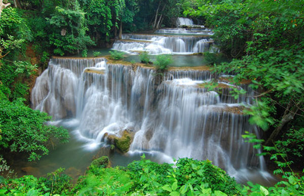 thai-water-fall-at-10
